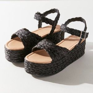 UO Rosalie Black Platform Sandals Size 9 NIB